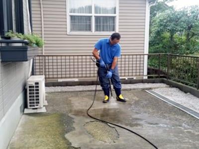 賃貸住宅(アパート・マンション)敷地内清掃の写真1